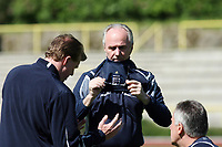 Photo: Chris Ratcliffe.<br />England training session. 07/06/2006.<br />Sven Goran Eriksson takes off his glasses in training.