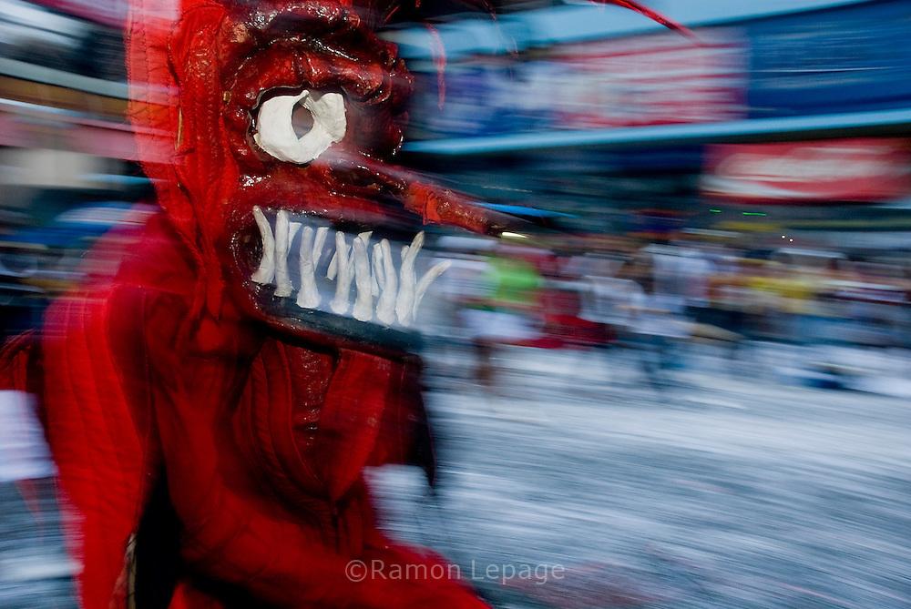 Celebración de los Carnavales en la ciudad de Panamá, también denominados fiestas del rey Momo, son festejados por cuatro días consecutivos, anteriores al Miércoles de ceniza. Esta festividad de Panamá termina el martes en la noche con el entierro de la sardina. En el 2010 celebra 100 años..Ramon Lepage / Istmophoto. /Orinoquiaphoto
