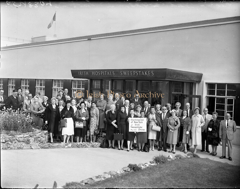 28/05/1959<br /> 05/28/1959<br /> 28 May 1959<br /> Irish Hospitals Trust 96th Sweepstake Draw on the 1959 Derby at Irish Hospital Sweepstakes office, Ballsbridge, Dublin. Picture shows a group of members of the Advertising Club of New York before entering the draw.