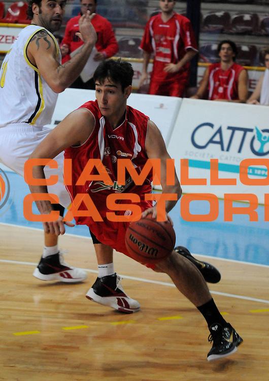 DESCRIZIONE : Verona Campionato Lega Basket A2 2011-12 Tezenis Verona Pallacanestro S.Antimo<br /> GIOCATORE : Riccardo Moraschini <br /> SQUADRA : Pallacanestro S.Antimo<br /> EVENTO : Campionato Lega Basket A2 2011-2012<br /> GARA : Tezenis Verona Pallacanestro S.Antimo<br /> DATA : 06/11/2011<br /> CATEGORIA : Palleggio Penetrazione<br /> SPORT : Pallacanestro <br /> AUTORE : Agenzia Ciamillo-Castoria/L.Lussoso<br /> Galleria : Lega Basket A2 2011-2012 <br /> Fotonotizia : Verona Campionato Lega Basket A2 2011-12 Tezenis Verona Pallacanestro S.Antimo<br /> Predefinita :