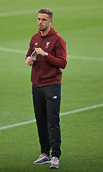 BARCELONA, SPAIN - Tuesday, April 30, 2019: Liverpool's captain Jordan Henderson during a walk around the pitch ahead of the UEFA Champions League Semi-Final 1st Leg match between FC Barcelona and Liverpool FC at the Camp Nou. (Pic by David Rawcliffe/Propaganda)