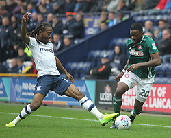 Josh Clarke of Brentford and Daniel Johnson of Preston North End in action - Mandatory by-line: Jack Phillips/JMP - 28/10/2017 - FOOTBALL - Deepdale - Preston, England - Preston North End v Brentford - Football League Championship