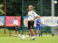 06-08-2008 Voetbal:Maikel Aerts:Bad-Schandau:Duitsland<br /> Willem II is in Oost Duitsland in Bad-Schandau voor een trainingskamp.<br /> Trainer Andries Jonker tijdens de training<br /> <br /> foto: Geert van Erven