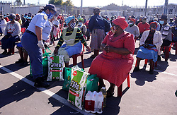 South Africa Cape Town 06 May 2020 Give of the Givers together with Nyanga SAPS donated food parcel to Nyanga senior citizens in Lusaka Hall Nyanga Photographer Ayanda Ndamane African news agency
