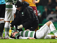 21/01/15 SCOTTISH PREMIERSHIP<br /> CELTIC v MOTHERWELL<br /> CELTIC PARK - GLASGOW<br /> Celtic's Stefan Johansen receives treatment after picking up a head knock