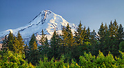 USA, Oregon, Hood River County. The sun sets on Mount Hood.