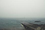 Hafen von Goury bei Nebel, Cap de la hague, Normandie, Frankreich
