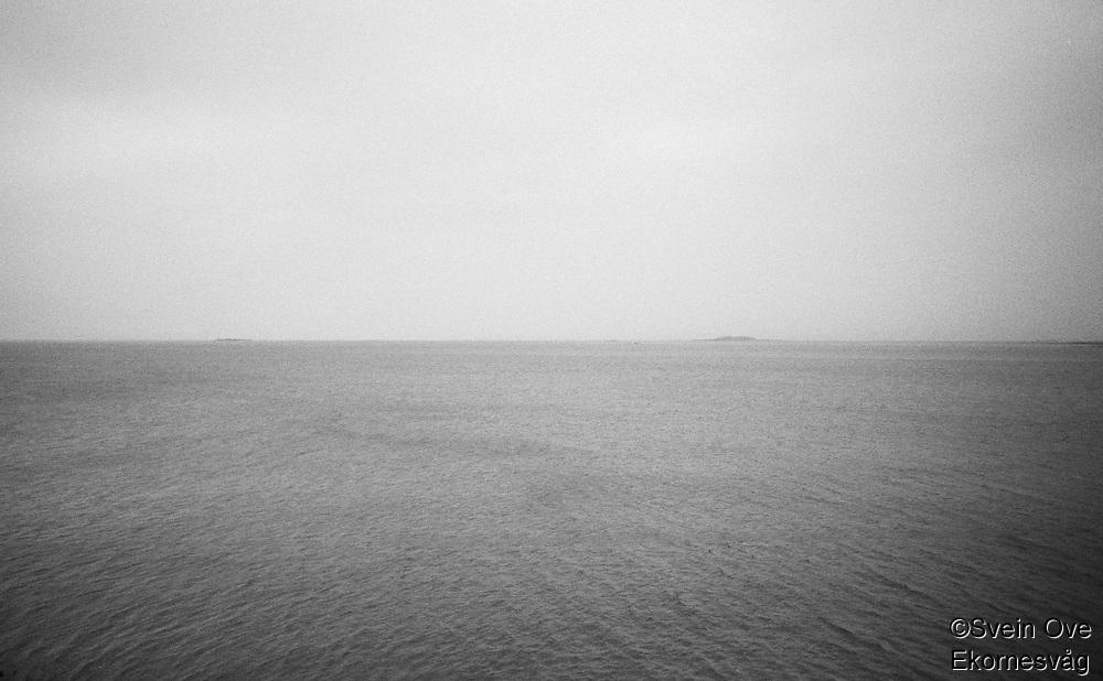 Hav så langt øyet kan se.<br /> Foto: Svein Ove Ekornesvåg