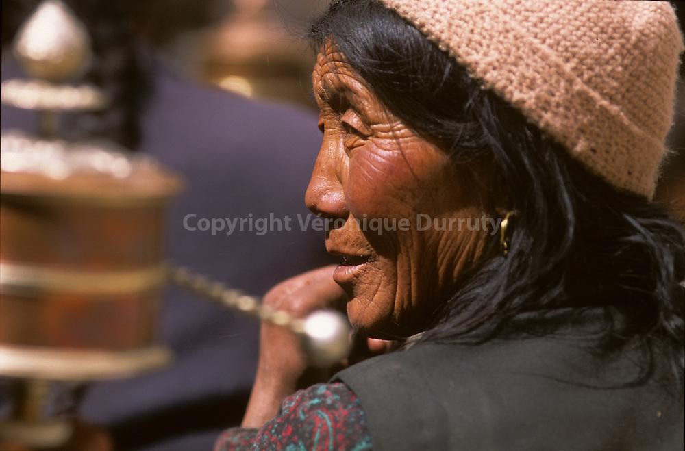 """In Lo Manthang, The capital with 1000 inhabitants // portrait de femme Lo Ba, l'ethnie du """"Royaume interdit """" . Mustang, Népal"""