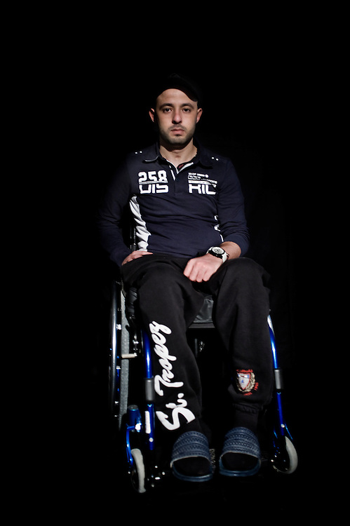 Mohamed Jandoubi 24 years Kram, wounded on January 13th 2011 and is paraplegic. A businessman covered the cost of traveling, and the treatment in a specialized hospital in Paris, France.