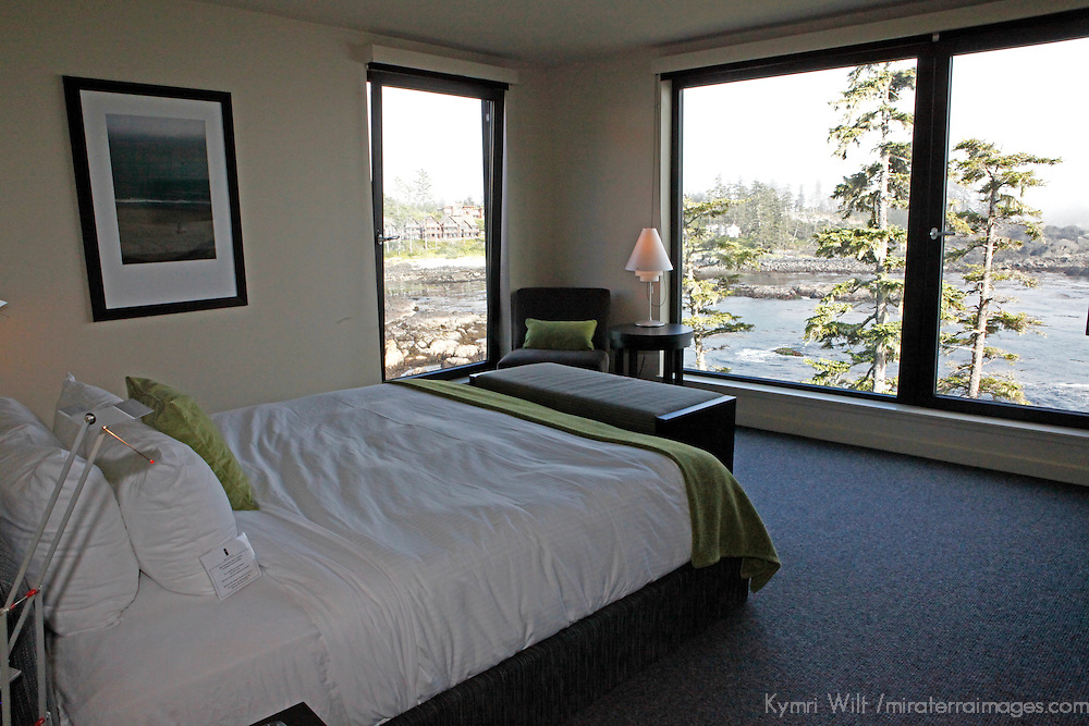 North America, Canada, British Columbia, Vancouver Island. Spacious room with a view at the Black Rock Oceanfront Resort in Ucluelet.