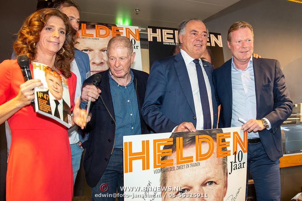 NLD/Amsterdam/201905229 - 10-jarig jubileum van Helden, Giovani van Bronckhorst, Frits Barend, Benno Leeser en Barbara Barend