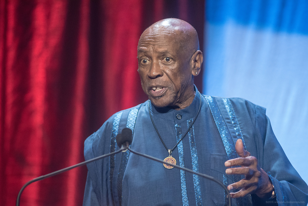 Academy Award-winning actor and humanitarian Louis Gossett Jr. accepts the Muhammad Ali Humanitarian Award for Education at the fourth annual Muhammad Ali Humanitarian Awards Saturday, Sept. 17, 2016 at the Marriott Hotel in Louisville, Ky. (Photo by Brian Bohannon for the Muhammad Ali Center)