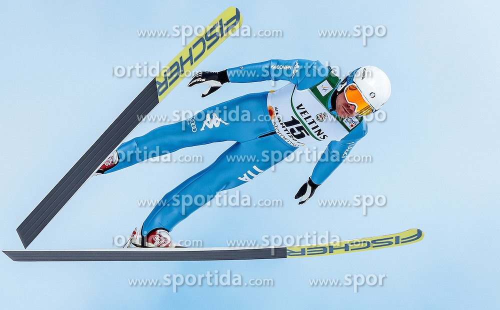 24.02.2017, Lahti, FIN, FIS Weltmeisterschaften Ski Nordisch, Lahti 2017, Nordische Kombination, Skisprung, im Bild Lukas Runggaldier (ITA) // Lukas Runggaldier of Italy during Skijumping of Nordic Combined competition of FIS Nordic Ski World Championships 2017. Lahti, Finland on 2017/02/24. EXPA Pictures © 2017, PhotoCredit: EXPA/ JFK