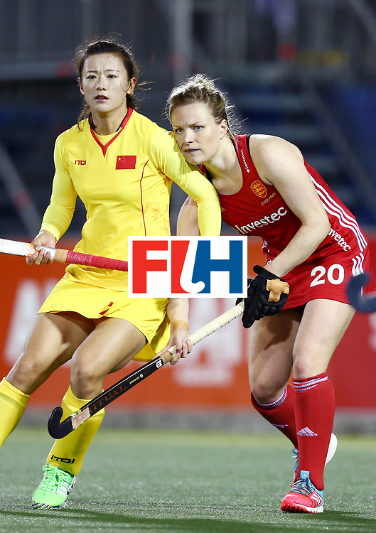 New Zealand, Auckland - 21/11/17  <br /> Sentinel Homes Women&rsquo;s Hockey World League Final<br /> Harbour Hockey Stadium<br /> Copyrigth: Worldsportpics, Rodrigo Jaramillo<br /> Match ID: 10302 - ENG vs CHN<br /> Photo: (20) PEARNE-WEBB Hollie fighting against (7) SONG Xiao Ming