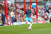 Sheffield Wednesday Defender Jack Hunt on the ball during the Sky Bet Championship match between Brentford and Sheffield Wednesday at Griffin Park, London, England on 26 September 2015. Photo by Phil Duncan.