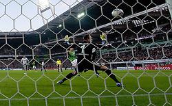 10.12.2011, Weser Stadion, Bremen, GER, 1.FBL, Werder Bremen vs VFL Wolfsburg, im Bild1 zu 0 durch Sokratis (Bremen #22) gegen Diego Benaglio (Wolfsburg #1) Aufgenommen mit der Hintertorkamera. // during the Match GER, 1.FBL, Werder Bremen vs VFL Wolfsburg, Weser Stadion, Bremen, Germany, on 2011/12/10.EXPA Pictures © 2011, PhotoCredit: EXPA/ nph/ Kokenge..***** ATTENTION - OUT OF GER, CRO *****