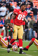 November 12, 2009; San Francisco, CA, USA; San Francisco 49ers tight end Vernon Davis (85) leads team stretches before the game against the Chicago Bears at Candlestick Park. The 49ers defeated the Bears 10-6. Mandatory Credit: Kyle Terada-Terada Photo