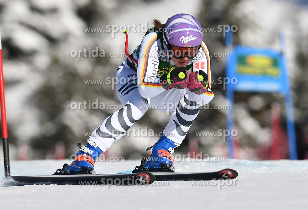 03.12.2017, Lake Louise, CAN, FIS Weltcup Ski Alpin, Lake Louise, Super G, Damen, im Bild Viktoria Rebensburg (GER) // Viktoria Rebensburg of Germany in action during the ladie's Super G of FIS Ski Alpine World Cup in Lake Louise, Canada on 2017/12/03. EXPA Pictures &copy; 2017, PhotoCredit: EXPA/ SM<br /> <br /> *****ATTENTION - OUT of GER*****
