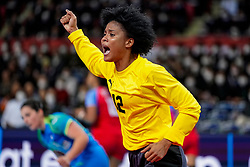 05-12-2019 JAP: Cuba - Slovenia, Kumamoto<br /> Fourth match groep A at 24th IHF Women's Handball World Championship. Slovenia win 39 - 26 of Cuba / Indiana Cedeno Ramos #12 of Cuba