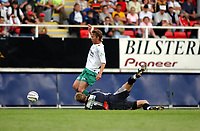 Fotball, Eliteserie, 25 juli 2004, Alfheim Stadion i Tromsø, TROMSØ IL - HAM KAM 0-3, Marius Gulliksrud felles av Knut Borck og HAM KAM får straffe<br /> FOTO: KAJA BAARDSEN/DIGITALSPORT