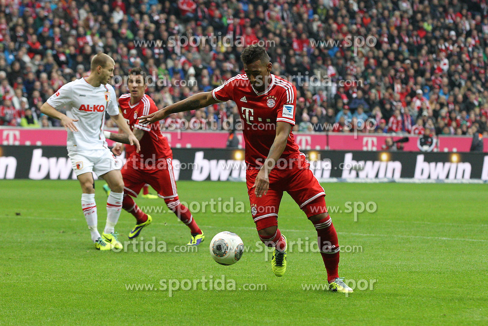 09.11.2013, Allianz Arena, Muenchen, GER, 1. FBL, FC Bayern Muenchen vs FC Augsburg, 12. Runde, im Bild Jerome BOATENG #17 (FC Bayern Muenchen) beim Tor // during the German Bundesliga 12th round match between FC Bayern Munich and FC Augsburg at the Allianz Arena in Muenchen, Germany on 2013/11/09. EXPA Pictures &copy; 2013, PhotoCredit: EXPA/ Eibner-Pressefoto/ Kolbert<br /> <br /> *****ATTENTION - OUT of GER*****