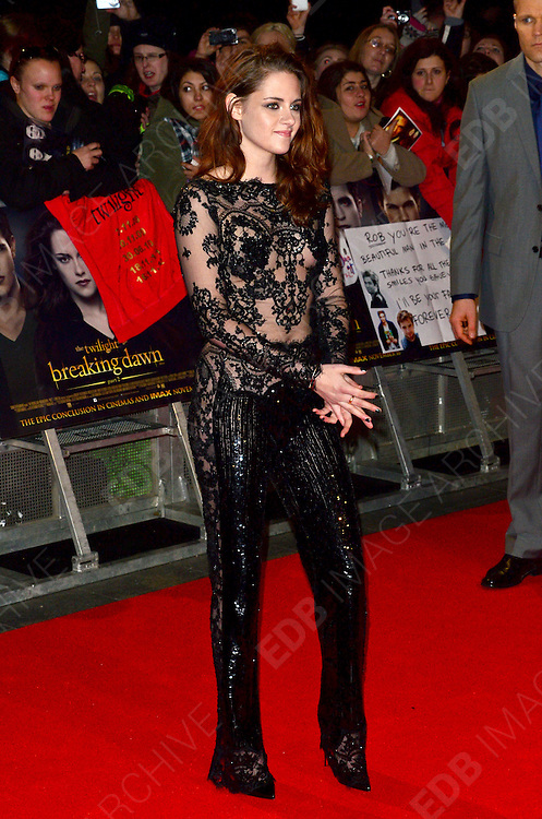 14.NOVEMBER.2012. LONDON<br /> <br /> THE UK PREMIERE OF TWILIGHT BREAKING DAWN PART II AT THE ODEON IN LEICESTER SQUARE, LONDON<br /> <br /> BYLINE: JOE ALVAREZ/EDBIMAGEARCHIVE.CO.UK<br /> <br /> *THIS IMAGE IS STRICTLY FOR UK NEWSPAPERS AND MAGAZINES ONLY*<br /> *FOR WORLD WIDE SALES AND WEB USE PLEASE CONTACT EDBIMAGEARCHIVE - 0208 954 5968*