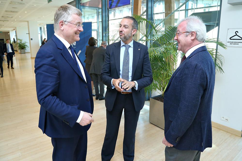 11 May 2017, EA Group meeting<br /> Belgium - Brussels - May 2017.  Exhibition opening&rdquo;Los Caminos de la Cruz&rdquo;<br /> CoR President Markkula <br /> <br /> &copy; European Union / Patrick Mascart
