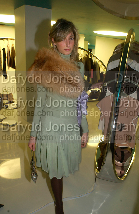 Karen Ishak, Superbrands, Selfridges. 13 November 2003. © Copyright Photograph by Dafydd Jones 66 Stockwell Park Rd. London SW9 0DA Tel 020 7733 0108 www.dafjones.com
