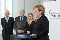 """16 OCT 2006, BERLIN/GERMANY:<br /> Angela Merkel (R), CDU, Bundeskanzlerin, und im Hintergrund: Ludwig Georg Braun, DIHK, Michael Sommer, DGB, Ursula v.d. Leyen, Bundesfamilienministerin, (v.L.n.R.),waehrend einer Pressekonferenz nach dem Spitzengespraech """"Familie und Wirtschaft"""" der Bundeskanzlerin mit der Impulsgruppe der """"Allianz für die Familie"""", Bundeskanzleramt<br /> IMAGE: 20061016-01-012<br /> KEYWORDS: Spitzengespräch"""