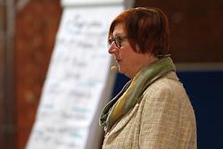 Am 23. Januar 2016 lud die Bürgerinitiative Lüchow-Dannenberg zu einem Seminartag über die Fehler im Verfahren um das geplante Atommüll-Endlager in Gorleben ein. Im Bild: Die Moderatorin der Veranstaltung, Rechtsanwältin und Mediatorin Ulrike Donat<br /> <br /> Ort: Lüchow<br /> Copyright: Andreas Conradt<br /> Quelle: PubliXviewinG