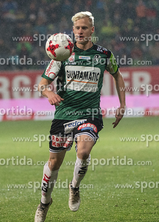 26.11.2016, Keine Sorgen Arena, Ried, AUT, 1. FBL, SV Guntamatic Ried vs SKN St. Poelten, 16. Runde, im Bild Thomas Fröschl (SV Guntamatic Ried) // during the Austrian Football Bundesliga 16th Round match between SV Guntamatic Ried and SKN St. Poelten at the Keine Sorgen Arena in Ried, Austria on 2016/11/26. EXPA Pictures © 2016, PhotoCredit: EXPA/ Reinhard Eisenbauer