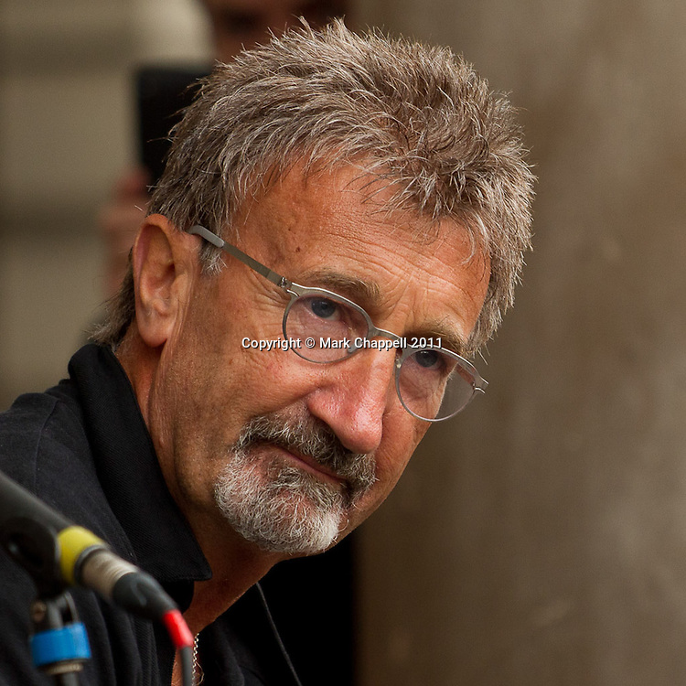 LONDON, UNITED KINGDOM. OCTOBER 02 2010. Ex F1 Boss Eddie Jordan holds a gig in London's Covent Garden in aide of homeless charity Amber.© Mark Chappell 2011. All Rights Reserved. Moral Rights asserted. See instructions.