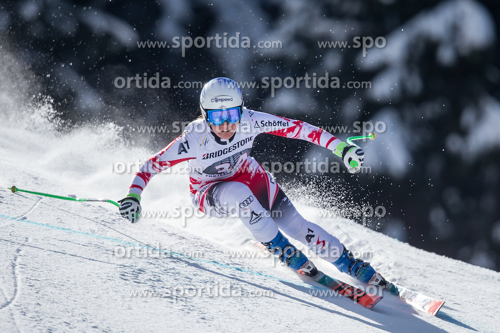 06.03.2015, Kandahar, Garmisch Partenkirchen, GER, FIS Weltcup Ski Alpin, Abfahrt, Damen, 1. Trainingslauf, im Bild Tamara Tippler (AUT) // Tamara Tippler of Austria during 1st training run for the ladie's Downhill of the FIS Ski Alpine World Cup at the Kandahar course, Garmisch Partenkirchen, Germany on 2015/03/06. EXPA Pictures © 2015, PhotoCredit: EXPA/ Johann Groder
