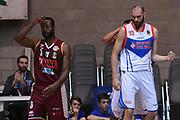 Dominique Johnson, Andrea Crosariol<br /> Red October Cantu - Umana Reyer Venezia<br /> LegaBasket Serie A 2017/2018<br /> Desio, 11/11/2017<br /> Foto M.Ceretti / Ciamillo-Castoria