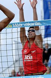20-08-2006 VOLLEYBAL: NK BEACHVOLLEYBAL: SCHEVENINGEN<br /> Nederlands kampioen Jochem de Gruijter<br /> ©2006-WWW.FOTOHOOGENDOORN.NL