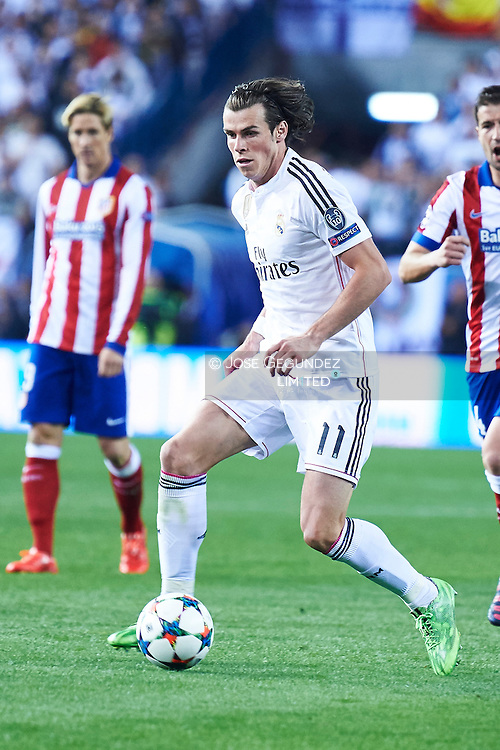Gareth Bale (Real Madrid F.C.) in action during the Champions League, round of 4 match between Atletico de Madrid and Real Madrid at Estadio Vicente Calderon on April 14, 2015 in Madrid, Spain