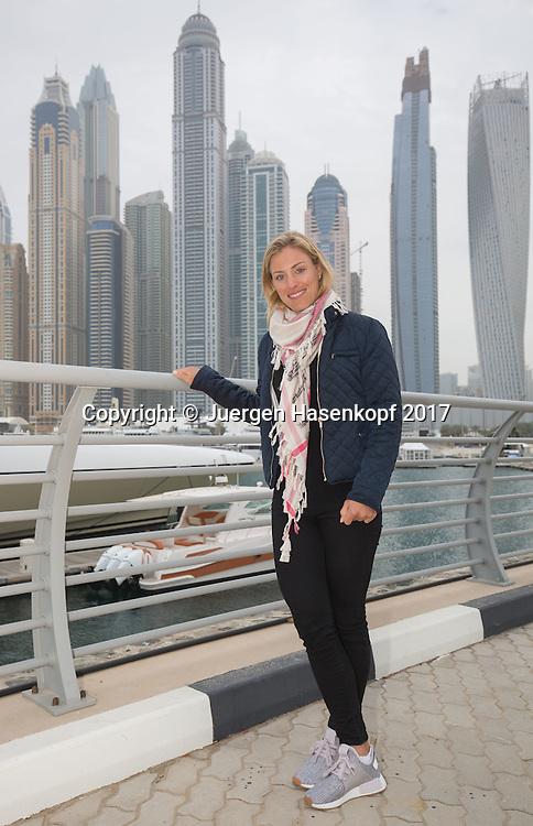 ANGELIQUE KERBER steht vor der Dubai Marina Skyline, <br /> <br /> Tennis - Dubai Tennis Championships 2017 -  WTA -  Dubai Duty Free Tennis Stadium - Dubai  -  - United Arab Emirates  - 21 February 2017.