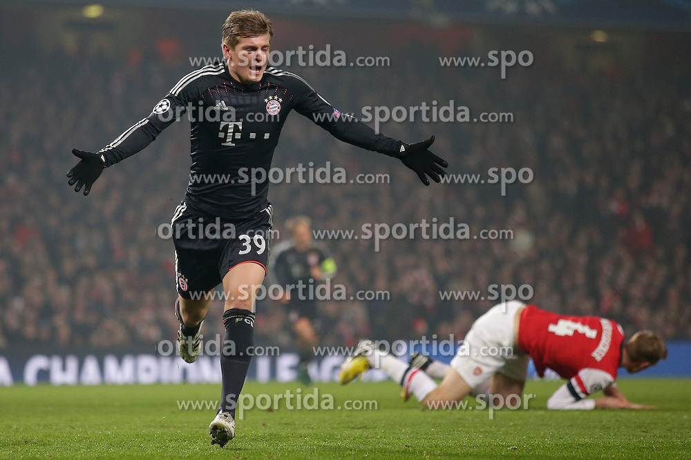 19.02.2013, Emirates Stadion, London, ENG, UEFA Champions League, FC Arsenal vs FC Bayern Muenchen, Achtelfinale Hinspiel, im Bild, Toni KROOS (FC Bayern Muenchen - 39) bejubelt sein Tor zum 0jubelt nach seinem 1:0 hinten Per MERTESACKER (FC Arsenal London - 4) am Boden // during the UEFA Champions League last sixteen first leg match between Arsenal FC and FC Bayern Munich at the Emirates Stadium, London, Great Britain on 2013/02/19. EXPA Pictures © 2013, PhotoCredit: EXPA/ Eibner/ Gerry Schmit..***** ATTENTION - OUT OF GER *****
