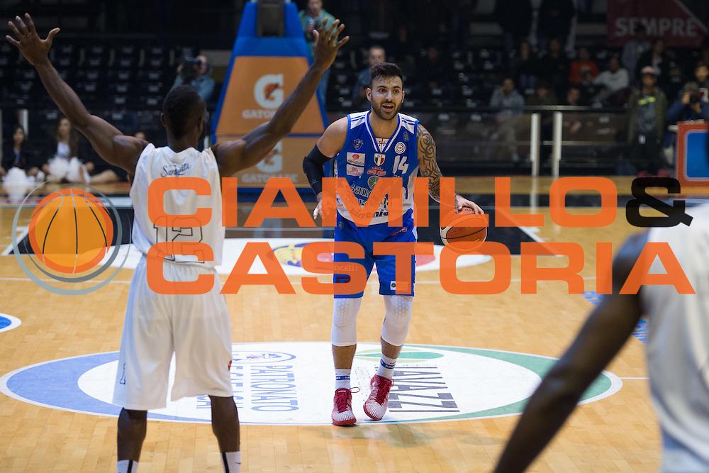 DESCRIZIONE : Caserta Lega A 2015-16 Pasta Reggia Caserta Banco di Sardegna Sassari<br /> GIOCATORE : Brian Sacchetti<br /> CATEGORIA : palleggio<br /> SQUADRA : Banco di Sardegna Sassari<br /> EVENTO : Campionato Lega A 2015-2016<br /> GARA : Pasta Reggia Caserta Banco di Sardegna Sassari<br /> DATA : 13/12/2015<br /> SPORT : Pallacanestro <br /> AUTORE : Agenzia Ciamillo-Castoria/G.Masi<br /> Galleria : Lega Basket A 2015-2016<br /> Fotonotizia : Caserta Lega A 2015-16 Pasta Reggia Caserta Banco di Sardegna Sassari