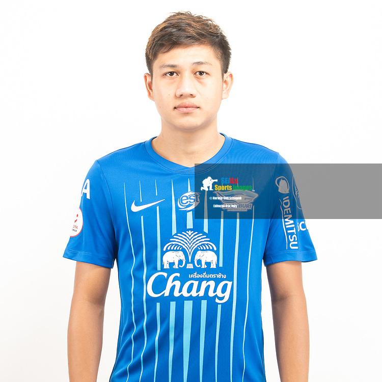 THAILAND - JUNE 11: Nattapong Pephat #18 of Chon Buri FC on June 11, 2019.<br /> .<br /> .<br /> .<br /> (Photo by: Naratip Golf Srisupab/SEALs Sports Images/MB Media Solutions)
