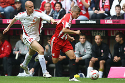 25.09.2010, Allianz Arena, Muenchen, GER, 1.FBL, FC Bayern Muenchen vs 1. FSV Mainz 05, im Bild  Miroslav Karhan (Mainz #21) kommt Toni Kroos (Bayern #39) nicht hinterher, EXPA Pictures © 2010, PhotoCredit: EXPA/ nph/  Straubmeier+++++ ATTENTION - OUT OF GER +++++ / SPORTIDA PHOTO AGENCY
