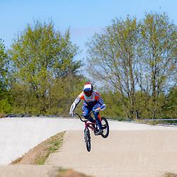 05-05-2020: Wielrennen: BMX KNWU: Papendal <br />De BMX'ers mochten weer de baan op