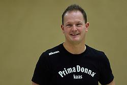12-12-2015 NED: Prima Donna Kaas Huizen - VV Utrecht, Huizen<br /> In de Topdivisie verslaat PDK Huizen vv Utrecht met 3-1 / Coach Elroy Bezemer