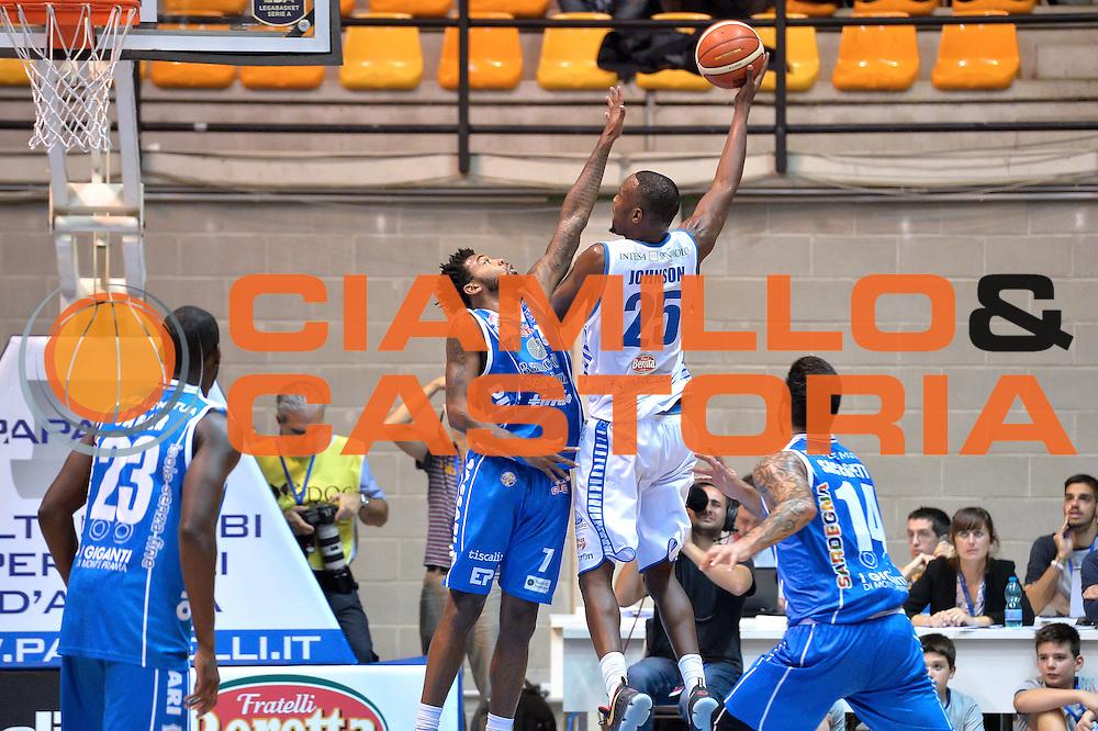 Jaquan Johnson<br /> Red October Cantu' vs Banco di Sardegna Sassari<br /> Basket Serie A 2016/2017<br /> Milano 23/10/2016<br /> Foto Ciamillo-Castoria