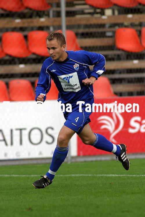 20.07.2003, Tammelan Stadion, Tampere, Finland..I Divisioona, Tampereen Peli-Pojat-70 v Tornion Pallo-47.Iiro Kylm?nen - TP-47.©Juha Tamminen