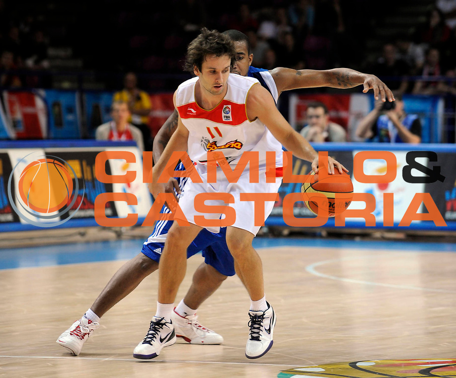 DESCRIZIONE : Warsaw Poland Polonia Eurobasket Men 2009 Preliminary Round  Spagna Inghilterra Spain Great Britain<br /> GIOCATORE : Ra&uacute;l L&oacute;pez<br /> SQUADRA : Spagna Spain<br /> EVENTO : Eurobasket Men 2009<br /> GARA : Spagna Inghilterra Spain Great Britain<br /> DATA : 08/09/2009 <br /> CATEGORIA :<br /> SPORT : Pallacanestro <br /> AUTORE : Agenzia Ciamillo-Castoria/N.Parausic<br /> Galleria : Eurobasket Men 2009 <br /> Fotonotizia : Warsaw Poland Polonia Eurobasket Men 2009 Preliminary Round Spagna Inghilterra Spain Great Britain<br /> Predefinita :