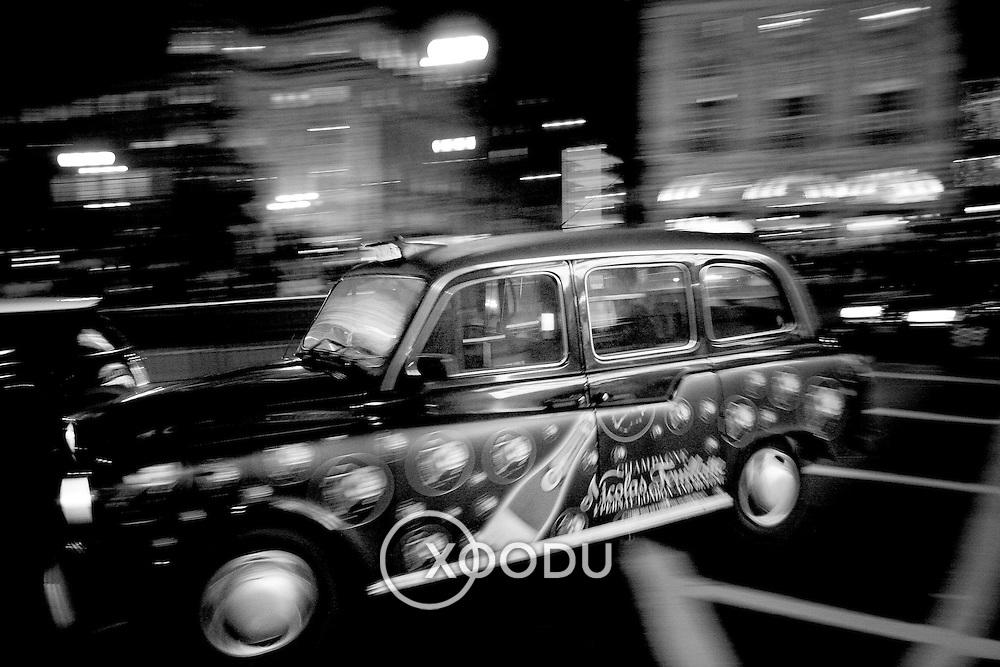 London champagne taxi, London, England (November 2004)