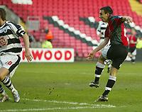 Photo: Aidan Ellis.<br /> Darlington v Swansea City. The FA Cup. 02/12/2006.<br /> Swansea's Leon Britton scores the equliser
