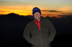 20-10-2008 REPORTAGE: KILIMANJARO CHALLENGE 2008: TANZANIA <br /> Beginnend met de Barranco Wall lopen we vandaag  naar Karanga Camp op 4040 meter. De Kilimanjaro Challenge van de BvdGf.<br /> ©2008-FotoHoogendoorn.nl